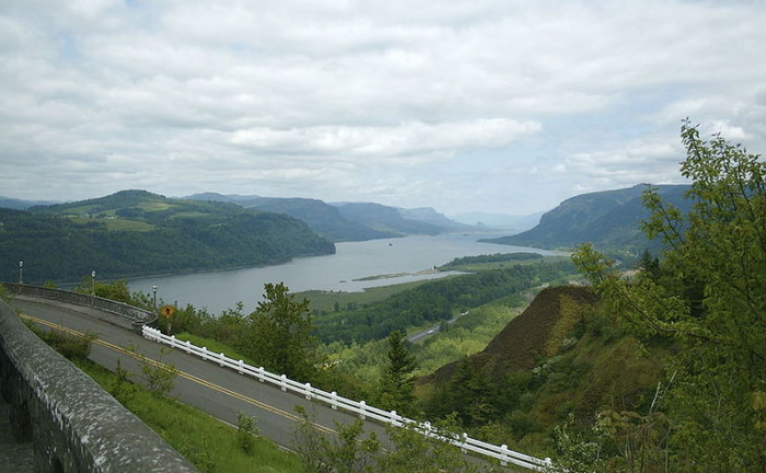 Columbia River Highway in Oregon. © creative commons