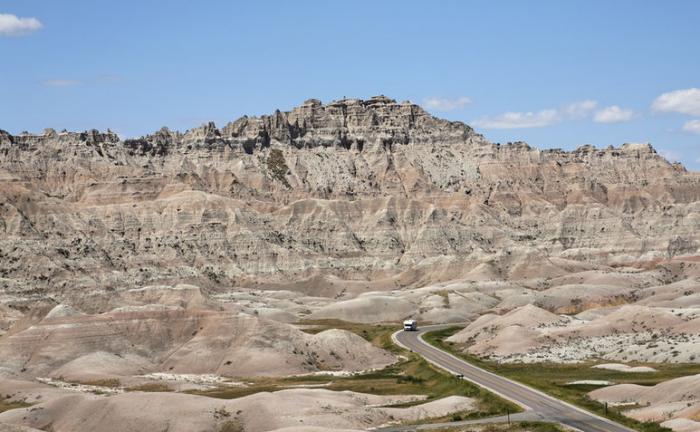 De mooiste wegen van Amerika -De weg door de Badlands in South Dakota. © thinkstock