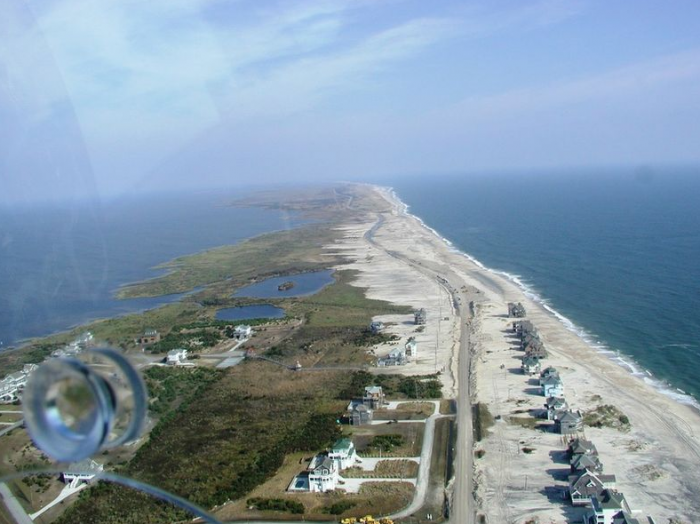 Highway NC 12 langs de Outer Banks in North Carolina. © Raleigh Ecological Services Field Office